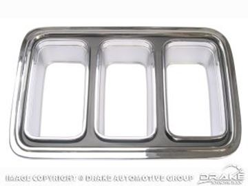 Picture of 70 LH tail lamp bezel/repro : D0ZZ-13489-BR
